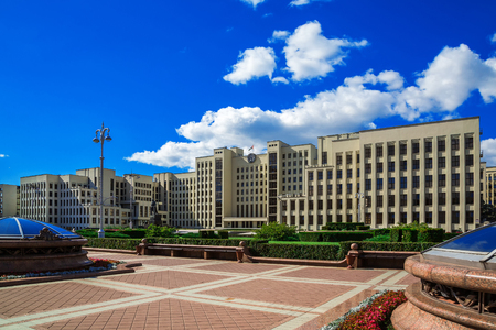 totalitarianism: Minsk. Government House and the monument to Lenin on Independence Square a background of blue sky, 25 August 2016