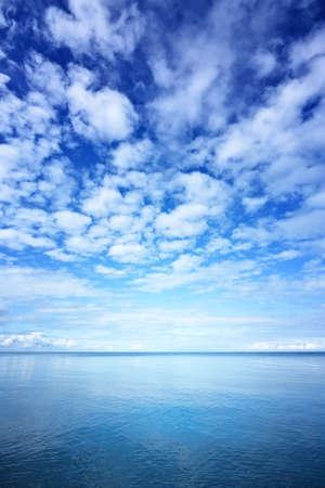 composure: Mare e cielo blu Archivio Fotografico