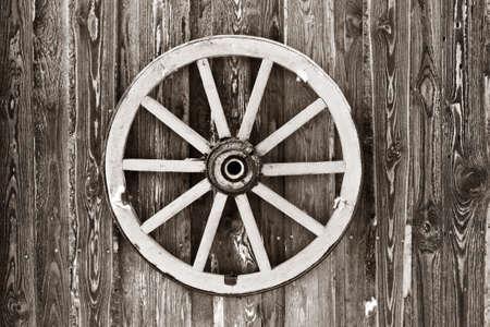 carreta madera: Foto rueda Retro