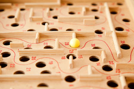 difficult task: Labyrinth game, selective focus on the ball