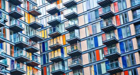 urban colors: Urban símbolo de la vida, casa densamente poblada Foto de archivo