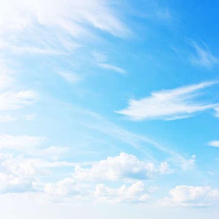 Blauwe hemel, natuurlijke achtergrond