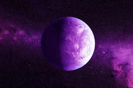 Fantástico exoplaneta de color violeta