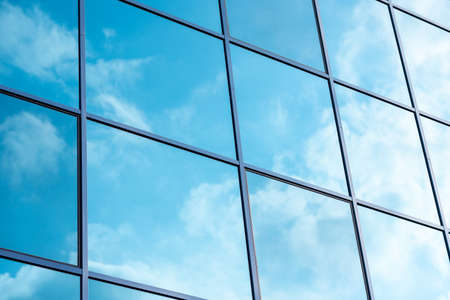 Reflection of the sky in the windows. High quality photo Banque d'images