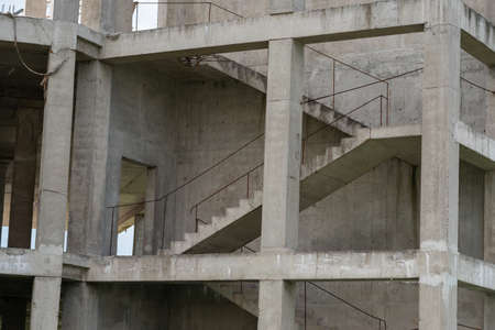 Staircase on a house under construction without walls. Banque d'images