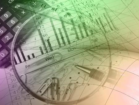 Pen, Herrscher, Lupe, Büroklammern und Rechner gegen das Diagramm - Collage. Standard-Bild - 9395946