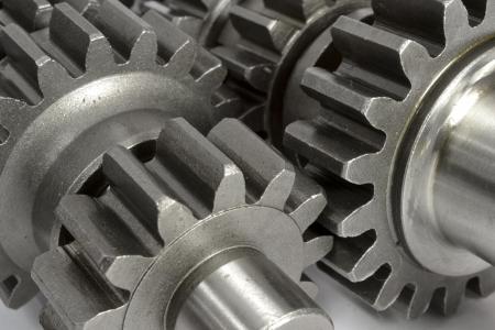 Engranajes del metal en el fondo blanco. Foto de archivo - 17234518
