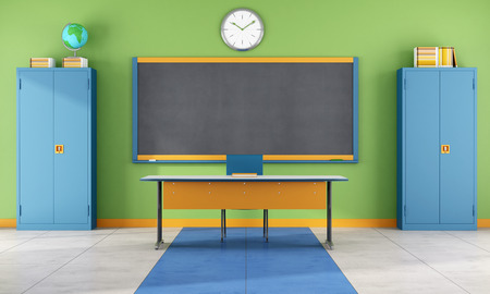 Kleurrijke klaslokaal met bord, leraar