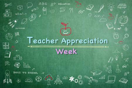 Semaine nationale d'appréciation des enseignants sur tableau vert avec doodle Banque d'images