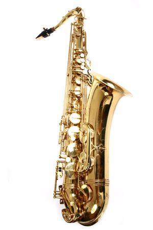 vibran: Saxof�n aisladas sobre fondo blanco Foto de archivo