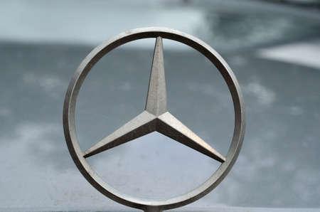 mercedes car emblem, car badge