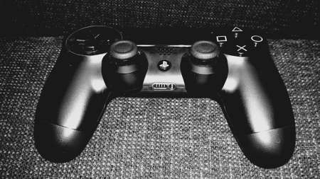 playstation: Dualshock 4 playstation controller