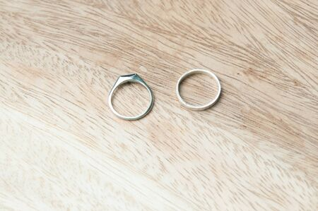 boasting: Ring two rings on wood