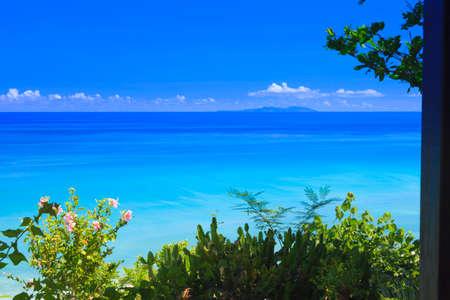 far east: El cielo bay.blue océano azul y el mar azul. Foto de archivo