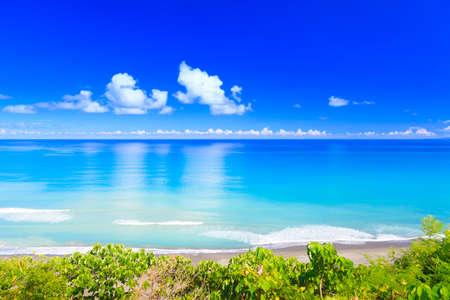 El cielo bay.blue océano azul y el mar azul.