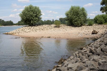 rhein: Shore of the Rhine Rhein at Gernsheim, Hessen, Germany Stock Photo