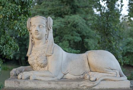 esfinge: Estatua de la esfinge en Schoenbusch parque cerca de Aschaffenburg