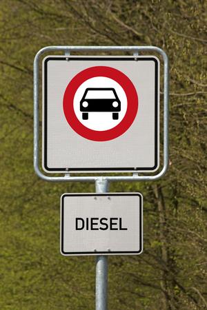 Verkehrszeichendieselfahren verboten Standard-Bild - 96931448