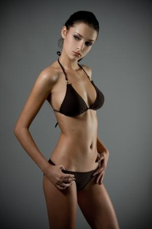 tetas: Joven modelo sexy bikini