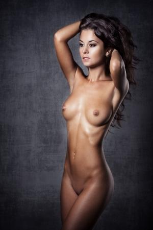 seins nus: Belle jeune femme nue Banque d'images