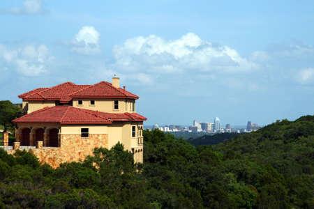 austin: Ein sch�nes Haus mit einem Zentrum Austin, Texas, gesehen. Lizenzfreie Bilder