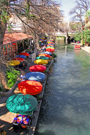 the San Antonio riverwalk and its many colorful sites Imagens