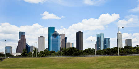 a crisp cityscape of the downtown Houston Texas skyline on a nice summer day Zdjęcie Seryjne