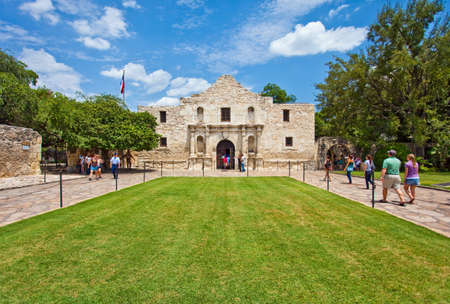 the front of the Alamo in San Antonio Texas