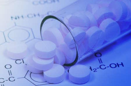 drug discovery: Struttura e compresse di Certain Kind of Medicine di New Drug Discovery concetto e tecnologia farmaceutiche Chimica Archivio Fotografico