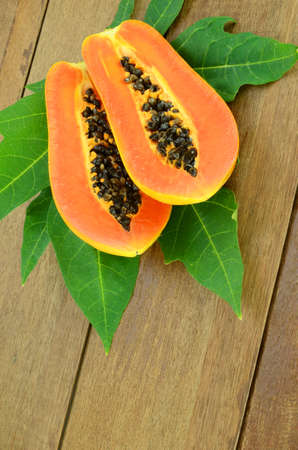 enzyme: Ripe papaya, Pawpaw or Tree melon (Carica papaya L) which Rich in Betacarotene, Vitamin C, Fiber and Papine Enzyme.