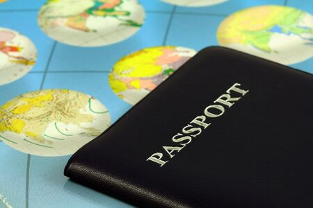 Travel with passport and map 版權商用圖片