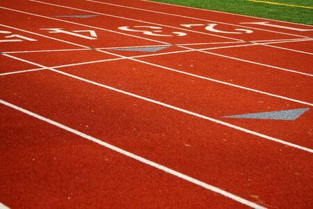 Atletismo pistas de un deporte de campo  Foto de archivo - 545465