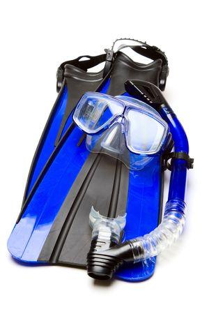 flippers: Un tiro aislado de equipo de snorkel y aletas
