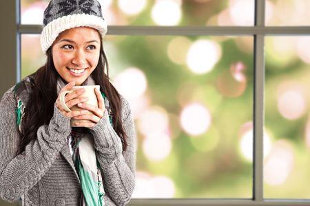warm colors: Una foto de una chica bella asi�tica de tomar caf�
