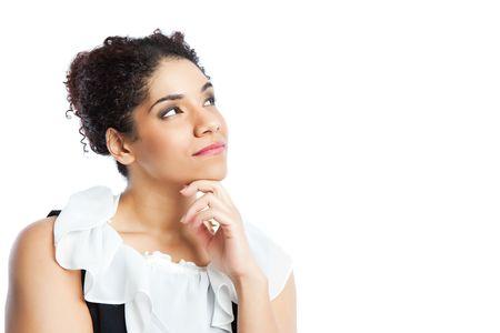 mujeres pensando: Un tiro aislado de una empresaria de pensamiento negro