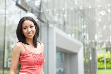 mixed race: Un disparo de una mujer hermosa raza mixta al aire libre  Foto de archivo