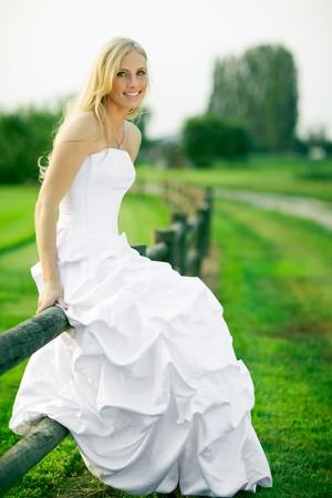 Un tir d'une belle mari?caucasienne ext?eure Banque d'images - 8004357