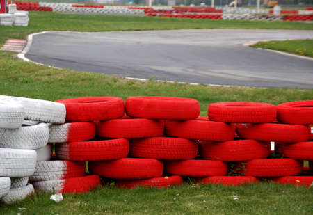 tred: Kart racing track with tred and white tires for security