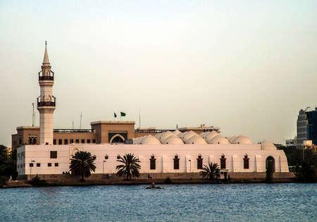 White Mosque on  the sea in Jeddah Standard-Bild