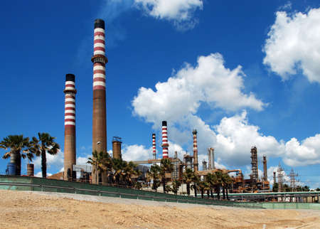 Petro-chemische raffinaderij, Puente Mayorga, Cadiz, Costa del Sol, Andalucia, Spanje, West-Europa Stockfoto