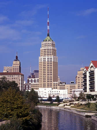 u s: View along the San Antonio River, San Antonio, Texas, USA
