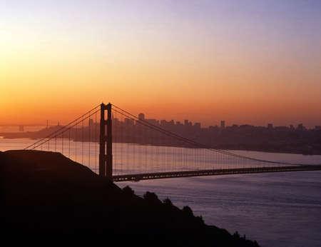 Golden Gate Bridge bij dageraad, San Francisco, California, USA