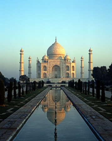 De Taj Mahal in de vroege ochtend
