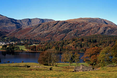 bank western: View of the lake from the East bank, Coniston Water, Cumbria, England, UK, Western Europe
