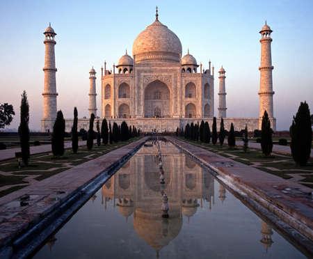 uttar: The Taj Mahal in the late afternoon sun, Agra, Uttar Pradesh, India