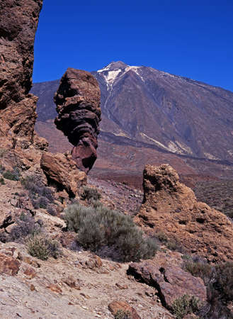 Roque Cinchado and Mount Teide, Las Canadas National Park, Tenerife, Canary Islands, Spain   Stock Photo - 16530992