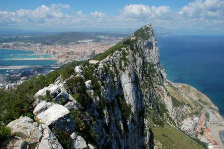 Verhoogde uitzicht op The Rock en de Spaanse kustlijn, Gibraltar, Groot-Brittannië, West-Europa Stockfoto
