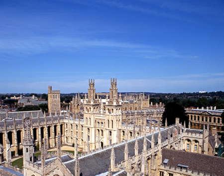 warden: Oxford, Inglaterra - Circa 08 1991 - All Souls College Warden y el Colegio de las almas de todos los fieles difuntos en la Universidad de Oxford, Oxford, Oxfordshire, Inglaterra, Reino Unido, Europa Occidental