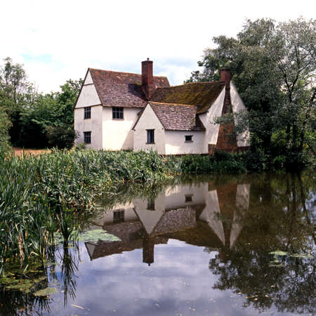 willy: Flatford, England - Circa June 1991 - Willy Lotts Cottage  as painted by John Constable  along the River Stour, Flatford, East Bergholt, Suffolk, England, UK, Western Europe