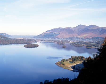 borrowdale: View of lake and islands from Borrowdale, Derwent Water, Cumbria, England, UK, Western Europe  Stock Photo